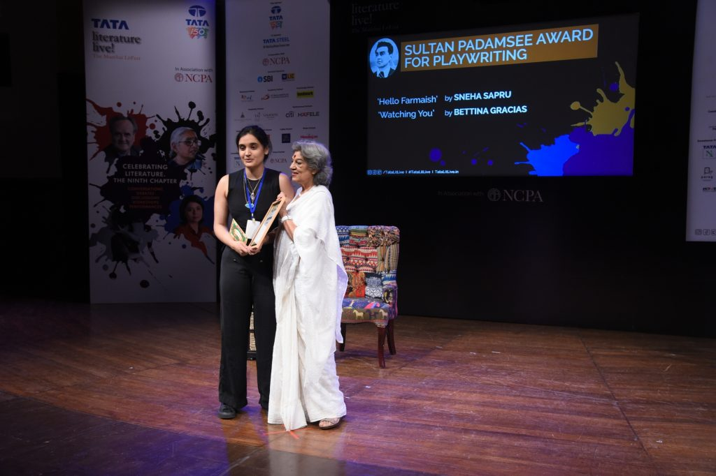 Noted Theatre personality Dolly Thakur presenting the joint first prize of The Sultan Padamsee Awards for playwriting in English to Sneh Sapru